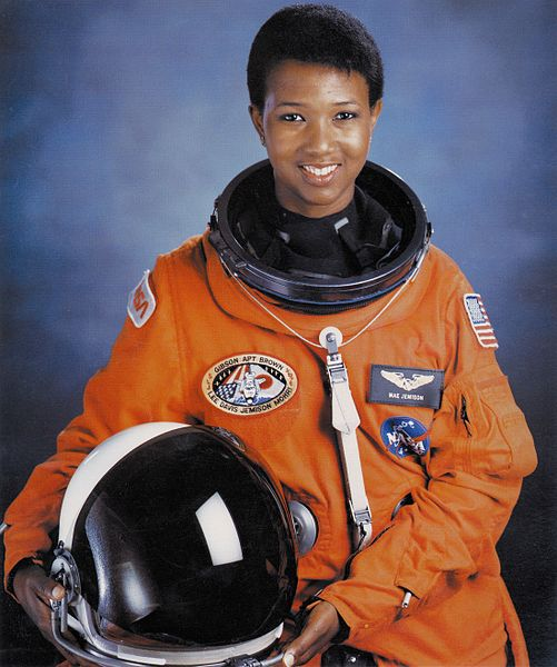 501px-Dr._Mae_C._Jemison,_First_African-American_Woman_in_Space_-_GPN-2004-00020