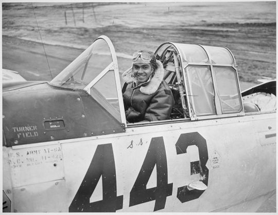 773px--1st_Lt._Lee_Rayford...who_has_returned_to_the_United_States_from_Italy_where_he_served_with_the_99th_Fighter_Squadron._-_NARA_-_535836