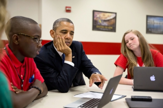 _v1a33197 President Obama and Student