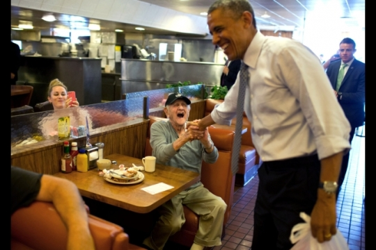 President Barack Obama greets a man who told the President he had voted for him, at Canter's Delicatessen in Los Angeles, Calif., July 24, 2014. (Official White House Photo by Pete Souza)