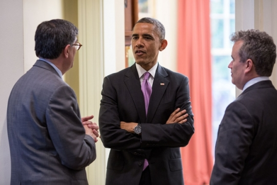 President Barack Obama talks with Treasury Secretary Jack Lew and National Economic Council Director Jeffrey Zients in the Oval Office Nov. 4, 2014. (Official White House Photo by Pete Souza)