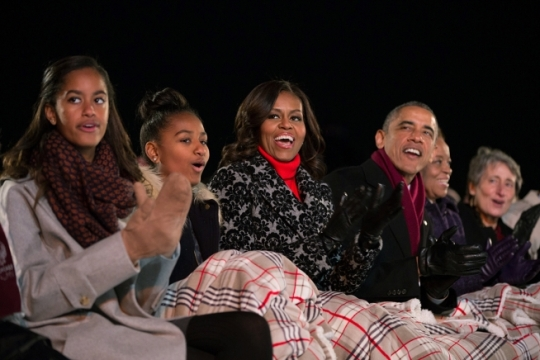 President Barack Obama, First Lady Michelle Obama, daughters Sasha and Malia, Marian Robinson and Interior Secretary Sally Jewell participate in the National Christmas Tree lighting on the Ellipse in Washington, D.C., Dec. 4, 2014. (Official White House Photo by Pete Souza)