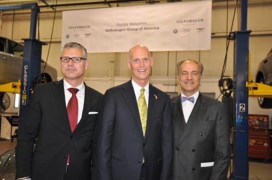 In Jacksonville: Jan Bures (EVP After Sales, VWGoA, from left), Governor Rick Scott (R-Fla., middle), David Geanacopoulos, EVP for Public Affairs and General Counsel, VWGoA  Photo Courtesy: VOA. Inc.