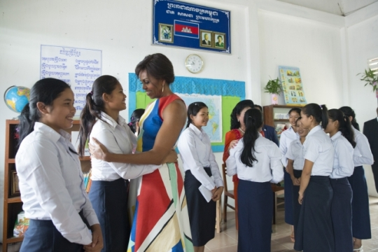 First Lady Michelle Obama visits with students at the Room to Read program at Hun Sen Prasat Bakorng high school in support of her Let Girls Learn initiative, in Siem Reap, Cambodia, March 21, 2015. (Official White House Photo by Amanda Lucidon)