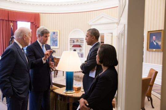 President Barack Obama speaks with Vice President Joe Biden, Secretary of State John Kerry and National Security Advisor Susan E. Rice following a bilateral meeting with European Council President Donald Tuskin in the Oval Office, March 9, 2015. (Official White House Photo by Pete Souza)