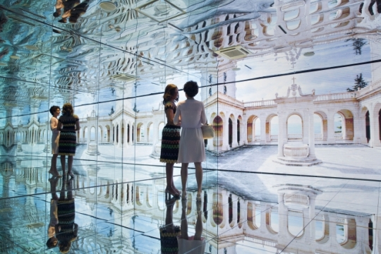 First Lady Michelle Obama and Mrs. Agnese Landini, wife of Prime Minister Matteo Renzi, tour the Mirror Room in Italian Pavilion at the World Expo in Milan, Italy, June 18, 2015. (Official White House Photo by Amanda Lucidon)