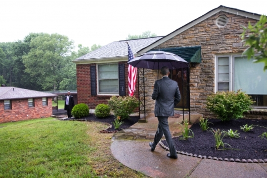 President Barack Obama arrives at the home of Kelly Bryant in the Madison neighborhood of Nashville, Tenn., July 1, 2015. Bryant introduced the President prior to his remarks on the Affordable Care Act (ACA) at Taylor Stratton Elementary School in Nashville. (Official White House Photo by Pete Souza)