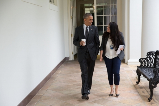 President Barack Obama walks with Personal Secretary Ferial Govashiri along the West Colonnade of the White House, Aug. 7, 2015. (Official White House Photo by Lawrence Jackson)
