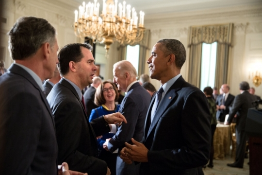President Barack Obama talks with Gov. Scott Walker, R-Wis., and Gov. Peter Shumlin, D-Vt., left, as Vice President Joe Biden talks in the background with Gov. Kate Brown, D-Ore., following their event with the National Governors Association in the State Dining Room of the White House, Feb. 22, 2016. (Official White House Photo by Pete Souza)