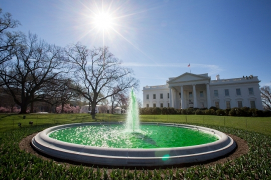 The fountain on the North Grounds of the White House is turned green in honor of St. Patrick's Day, March 17, 2016. (Official White House Photo by Chuck Kennedy)
