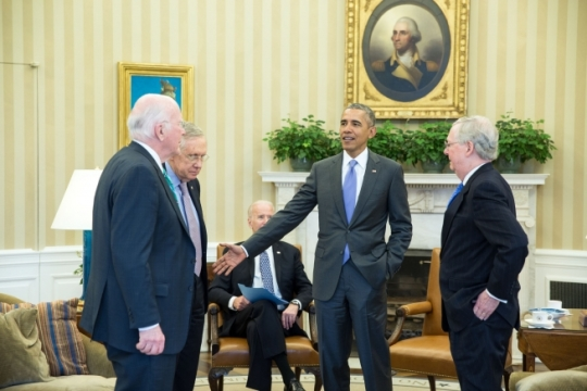 President Barack Obama talks with, from left, Sen. Patrick Leahy, D-Vt., Senate Democratic Leader Harry Reid, D-Nev., and Senate Majority Leader Mitch McConnell, R-Ky., at the conclusion of a meeting with the leadership of the Senate Judiciary Committee in the Oval Office, March 1, 2016. The President, with Vice President Joe Biden, met with the committee members, including Sen. Chuck Grassley, R-Iowa, to discuss topics including the Supreme Court vacancy left by the death of Justice Antonin Scalia, opioid legislation and criminal justice reform. (Official White House Photo by Pete Souza)