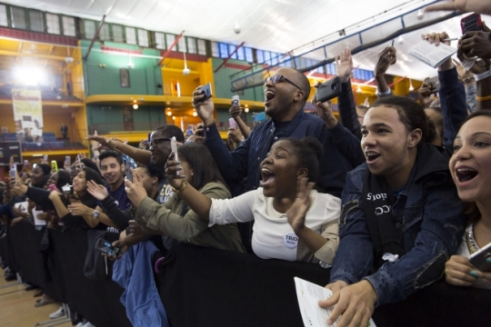 Students react to First Lady Michelle Obama's remarks during an event in support of the Reach Higher initiative celebrating College Signing Day at the Harlem Armory in New York, N.Y., April 26, 2016. (Official White House Photo by Amanda Lucidon)