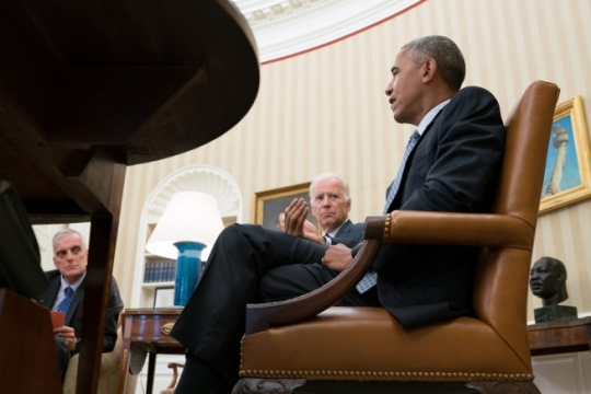 President Barack Obama meets with Vice President Joe Biden, Chief of Staff Denis McDonough, left, and senior advisors in the Oval Office, July 11, 2016. (Official White House Photo by Pete Souza)