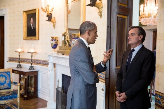 President Barack Obama talks with Ambassador of France to the United States Gérard Araud in the Blue Room of the White House prior to the Diplomatic Corps Reception, July 15, 2016. (Official White House Photo by Pete Souza)