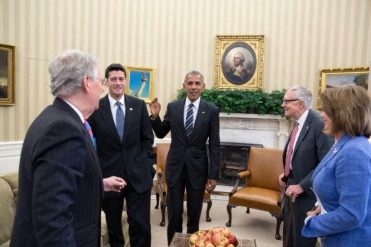 President Barack Obama meets with Congressional leadership, from left, Senate Majority Leader Mitch McConnell, R-Ky., House Speaker Paul Ryan, R-Wis., Senate Minority Leader Harry Reid, D-Nev., and House Minority Leader Nancy Pelosi, D-Calif., in the Oval Office, Sept. 12, 2016. (Official White House Photo by Pete Souza)